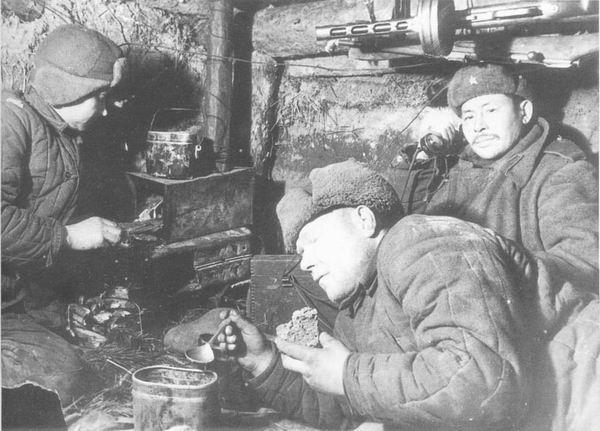 Картинки по запросу солдаты в блиндаже