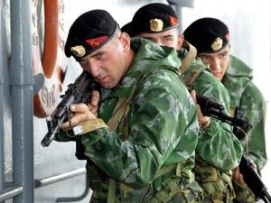 mp-stre1wa1s Морпехи Каспийской флотилии учатся прыгать с парашютом - Независимый проект =Морская Пехота России=