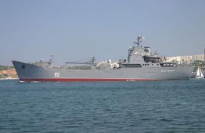 Россия стягивает в Севастополь и к границе Украины войска – Тягнибок