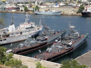 Военная группировка в Крыму будет усиливаться