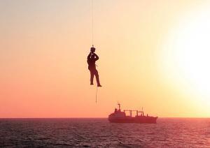 Спасатели Северного флота пришли на помощь гражданским рыбакам