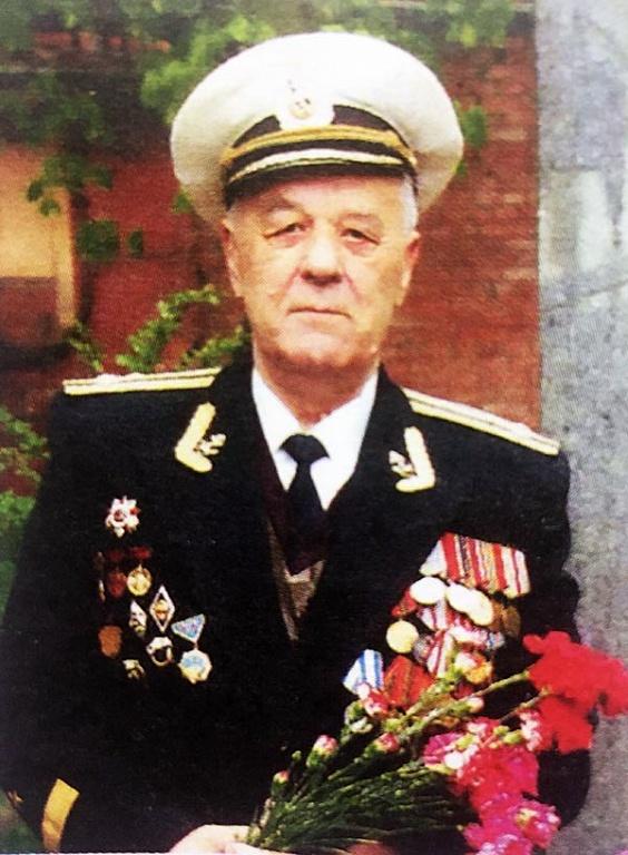 На память о службе в г.Ташкенте. - Разное > Солдаты и офицеры ... | 768x564