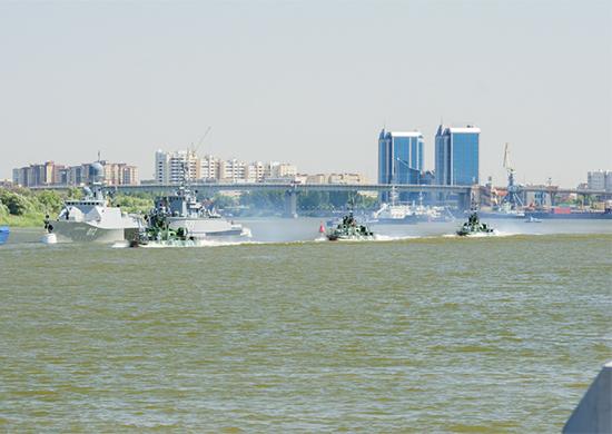 Парад кораблей в Астрахани