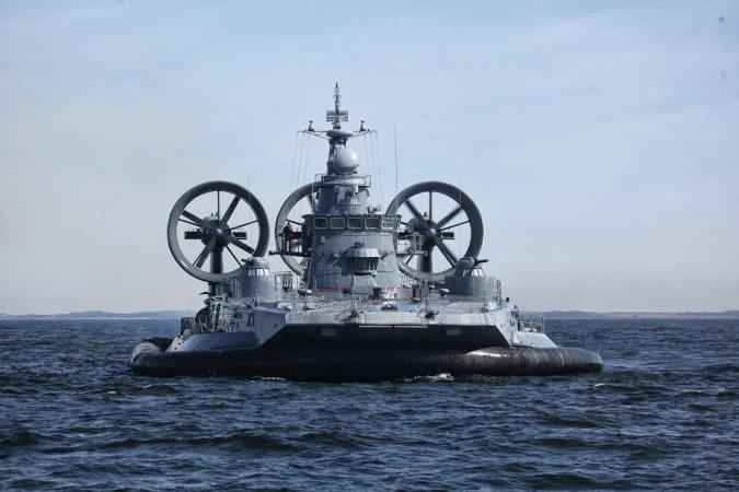 """Малй десантный корабль на воздушной подушке проекта 12322 (""""Зубр"""")"""