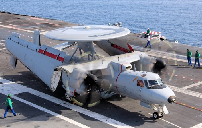 "Самолет дальнего радиолокационного обнаружения E-2D ""Хокай"" (Advanced Hawkeyes), ВМС США"