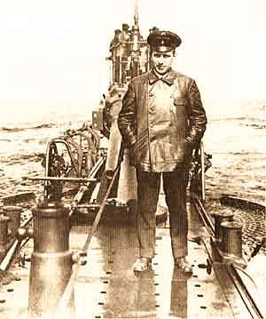 Б.М. Малинин на палубе ВОЛКА